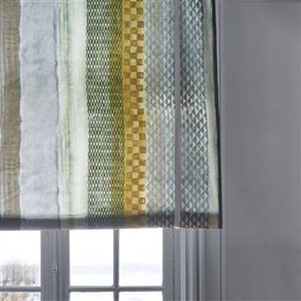Liftgardin syet i Sumi ochre by Designers Guild